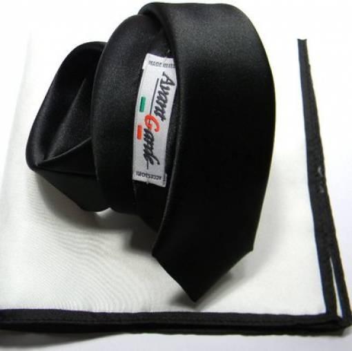 cravatta nera classica con pochette