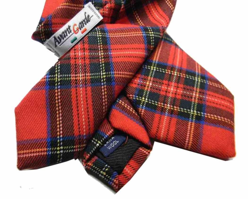 shopping scarpe casual estremamente unico Dettagli su CRAVATTA lana uomo a quadri tartan rosso Cravatte in lana  English style m Italy
