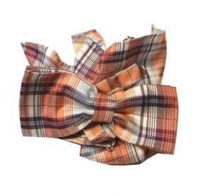 21ccfa323d Abbinata cravatta a farfalla papillon fatto seta e pochette a quadri  arancione